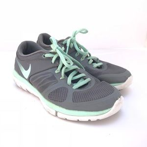 Nike Sz 7.5 Athletic Shoes